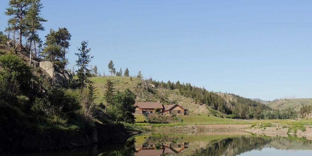 Burnt Out Lodge wedding Montana