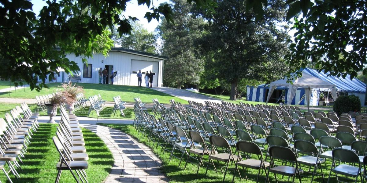 Sheyenne Riverbend Farm wedding North Dakota