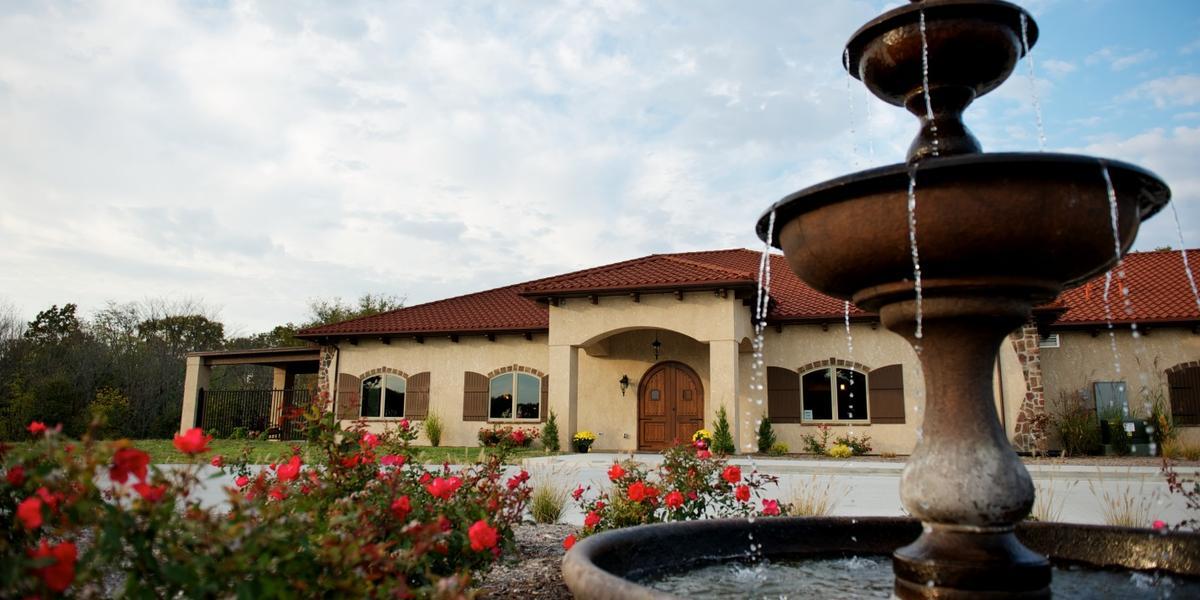 Tuscan Hills Winery wedding Southern Illinois