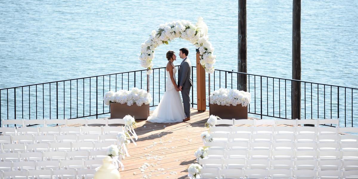 Red Lion Hotel on the River - Jantzen Beach wedding Portland