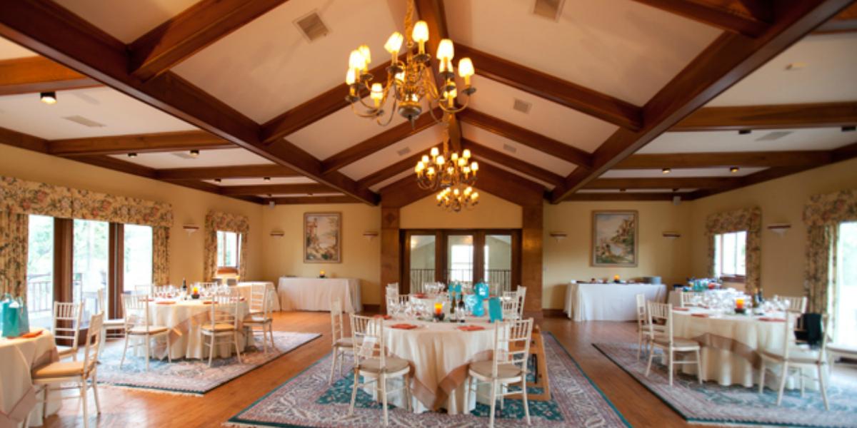 White Hall Vineyards wedding Charlottesville