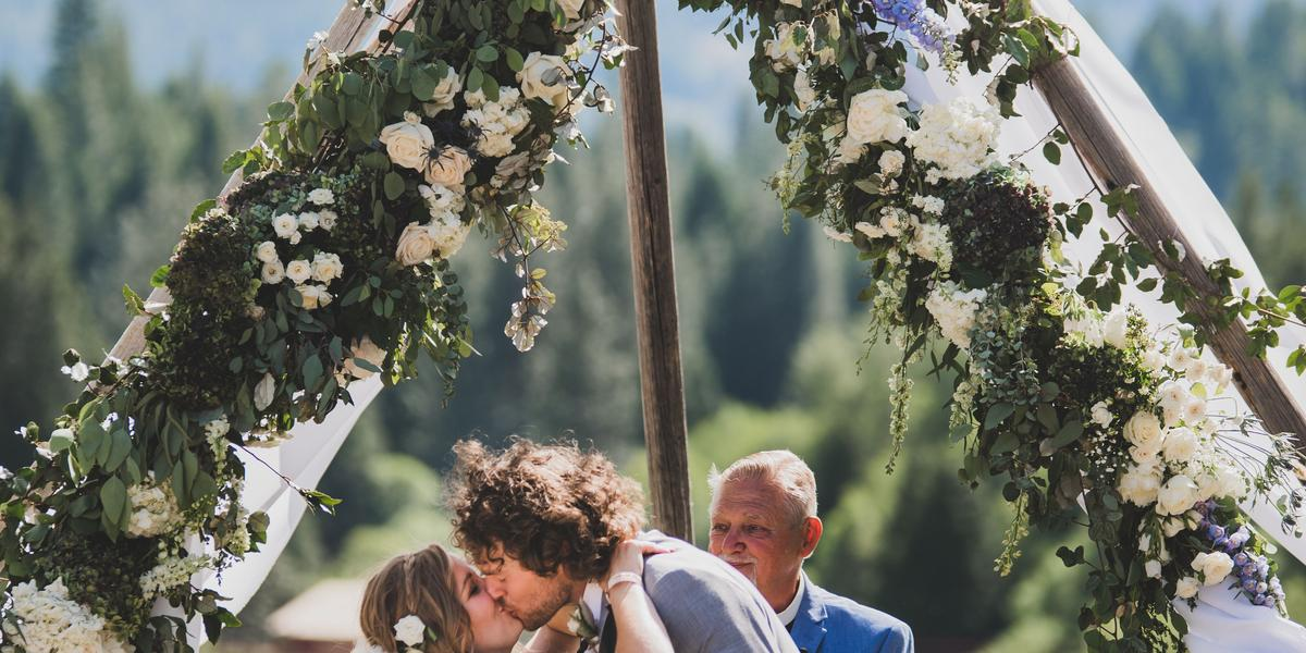 Greenhorn Ranch wedding Northern Lakes