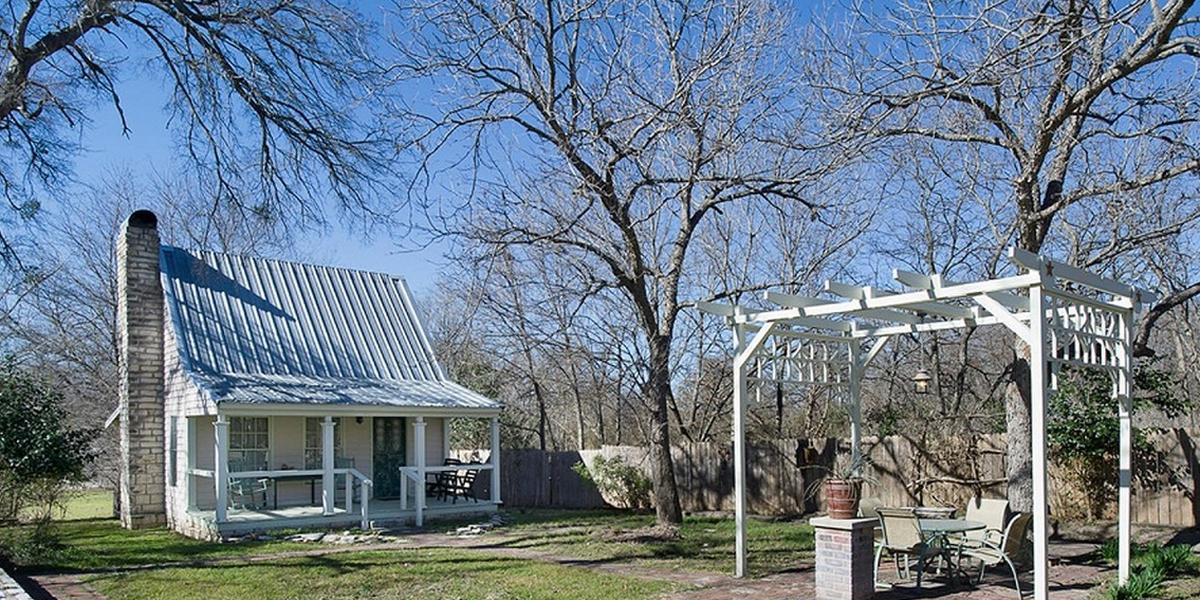The Baines House Inn wedding Austin