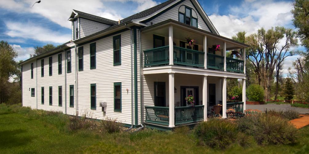 The Historical Elk Mountain Hotel wedding Wyoming