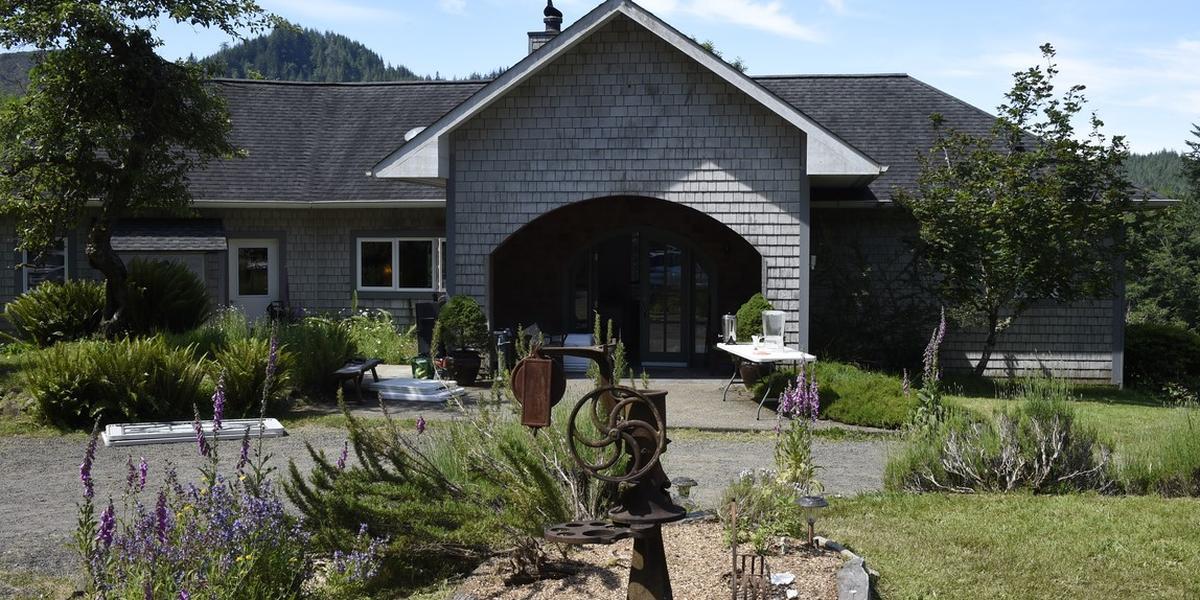 Lucky Mud Inn and Disc Golf Resort wedding Tacoma