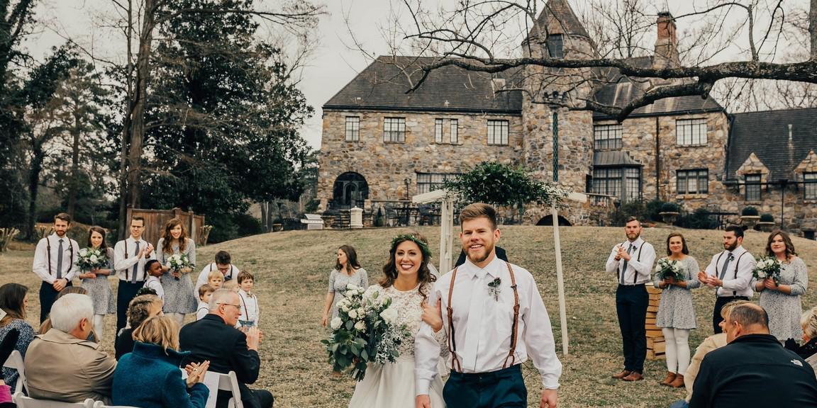 The Castle on Stagecoach wedding Arkansas