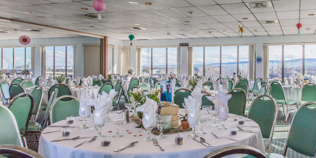 Clover Island Inn wedding Yakima