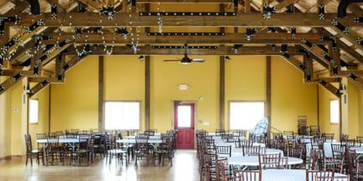 Bodega Victoriana Winery & Wedding Barn wedding Des Moines