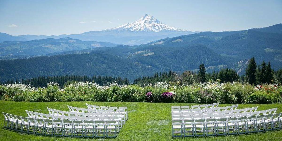 Gorge Crest Vineyards wedding Mt. Hood