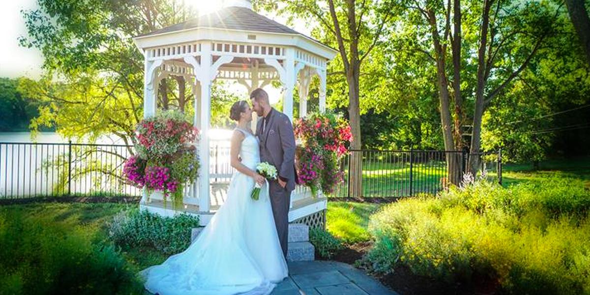 Anthony's Lake Club wedding Litchfield