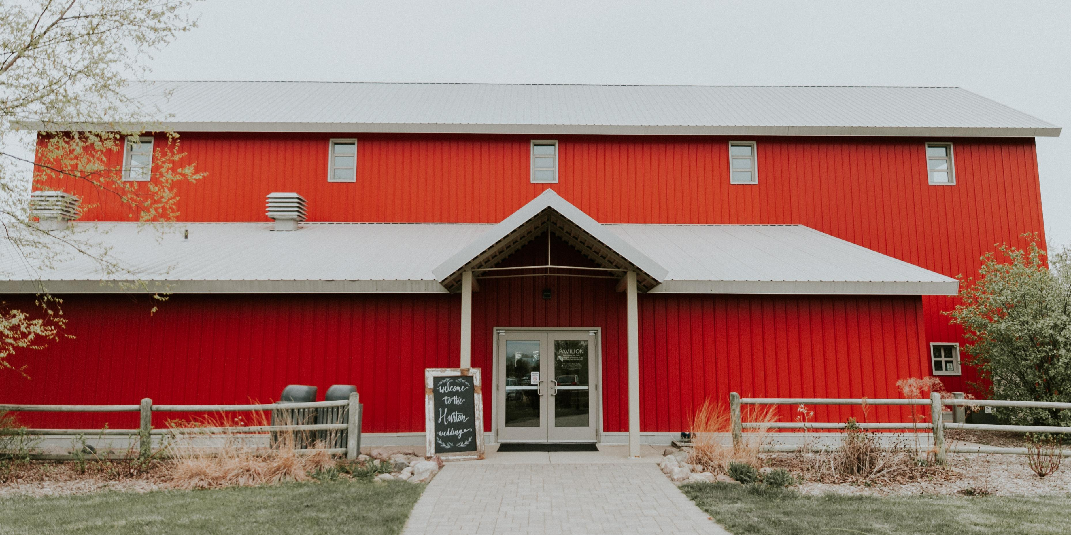 Gale Woods Farm wedding Minnesota