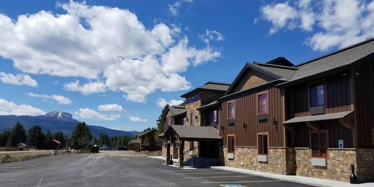 Sawtelle Mountain Resort wedding Idaho
