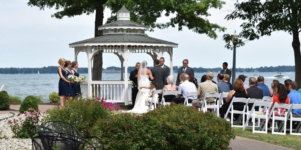 Oakwood Resort Lake Wawasee wedding Northeast Indiana