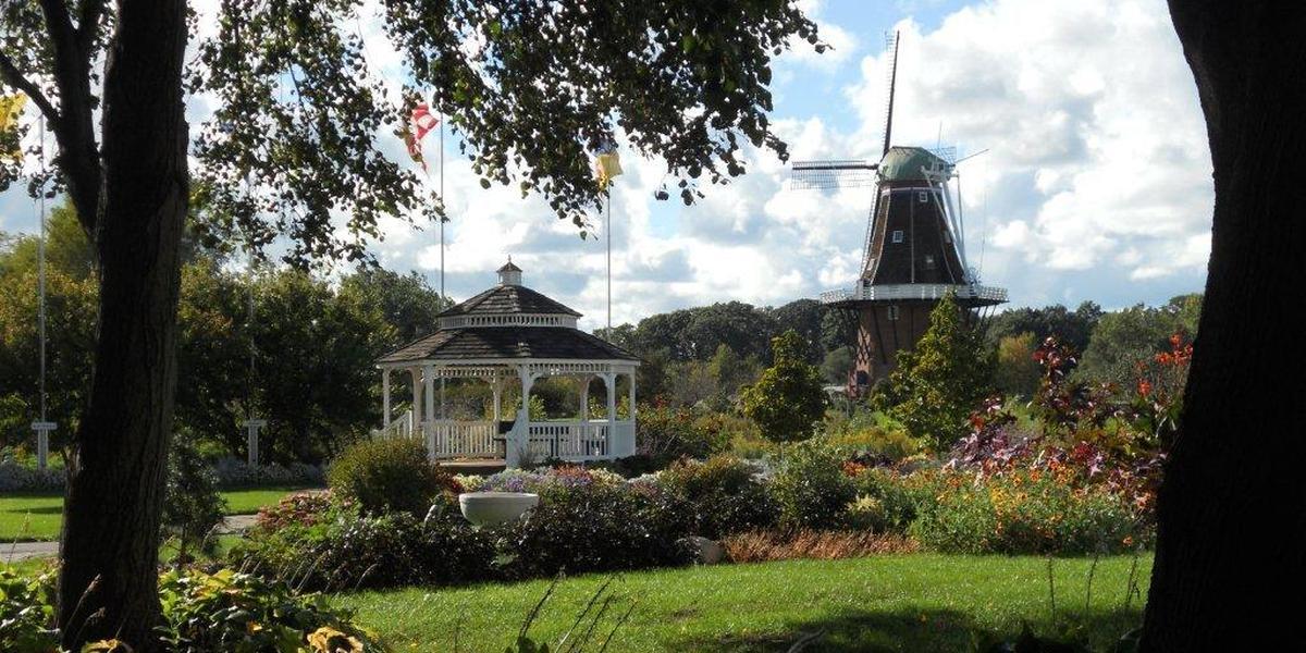 Windmill Island Gardens wedding Kalamazoo