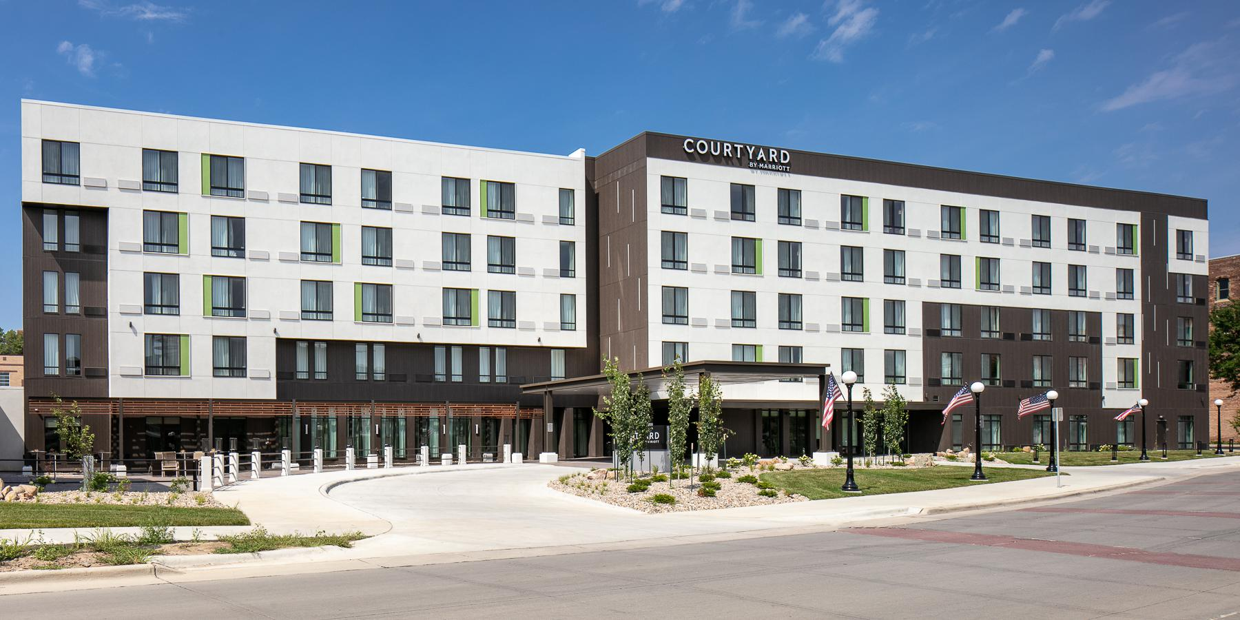 Courtyard Sioux City Downtown/Convention Center wedding Sioux City