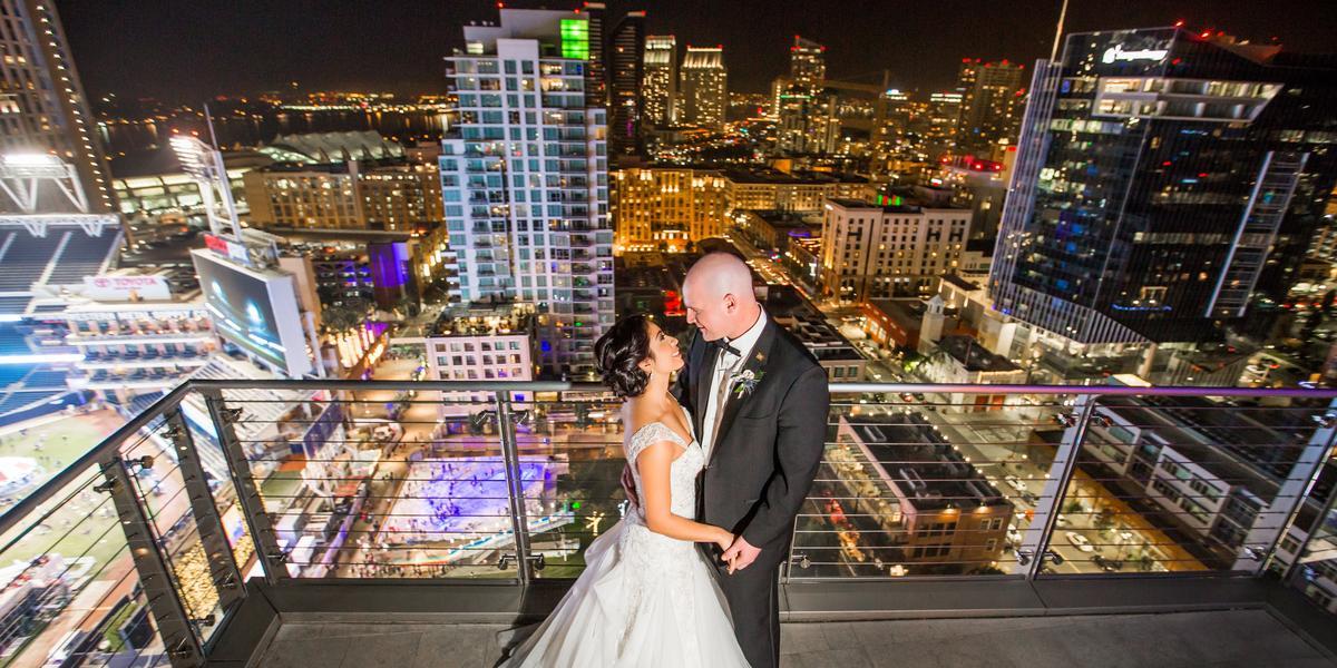The Ultimate Skybox at DiamondView Tower wedding San Diego