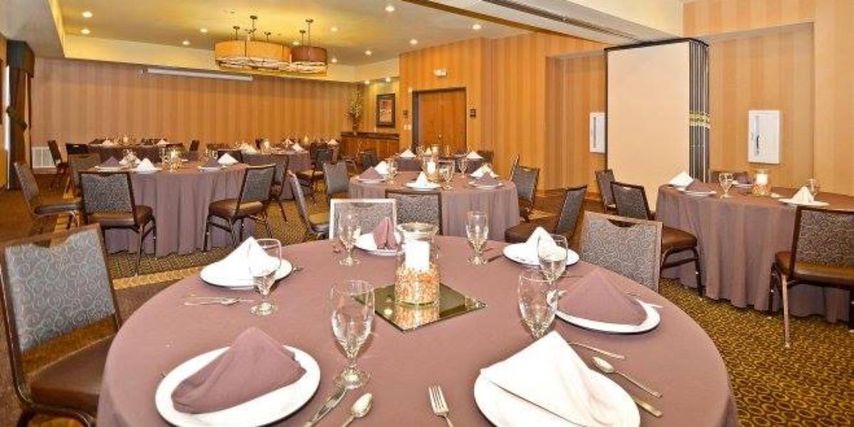 Best Western Plus Christopher Inn and Suites wedding Dallas