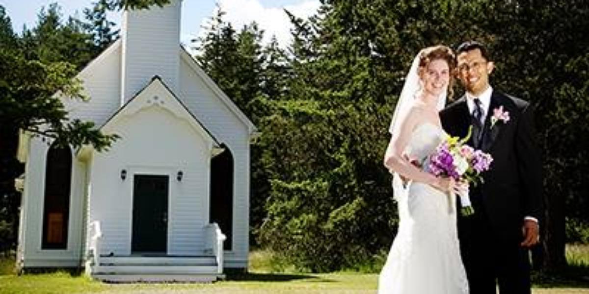Victorian Valley Chapel wedding Everett