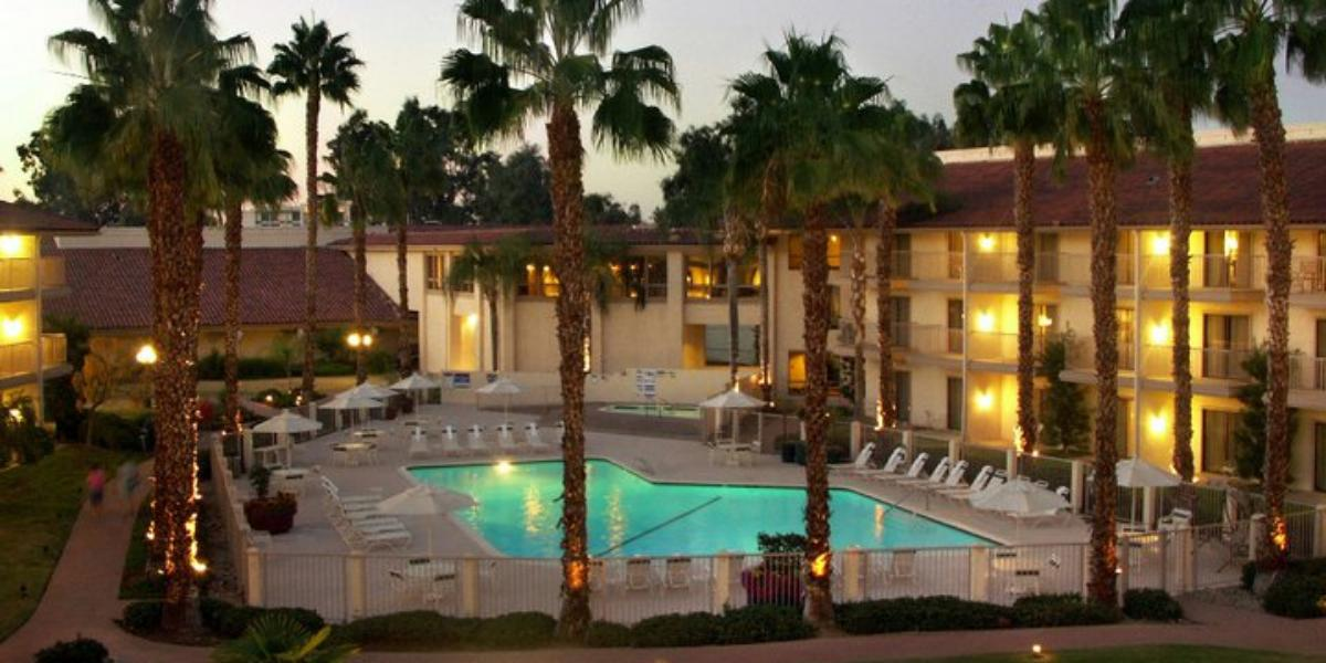 Doubletree by Hilton Hotel Bakersfield wedding Inland Empire