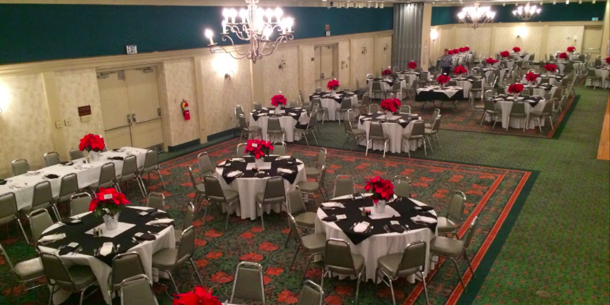 The Jasper Inn and Convention Center wedding Southern Indiana