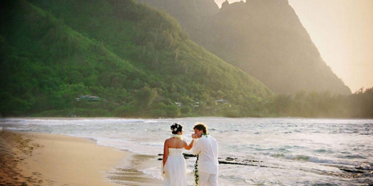Hanalei Colony Resort wedding Kauai