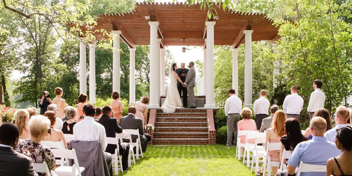Pine Manor Estate wedding Southern Illinois