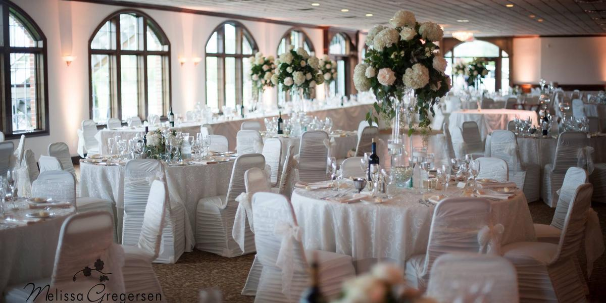 The Captain's Club at Woodfield wedding Detroit