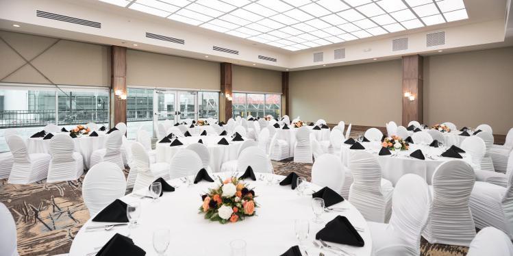 Fort Pontchartrain Detroit, A Wyndham Hotel wedding Detroit