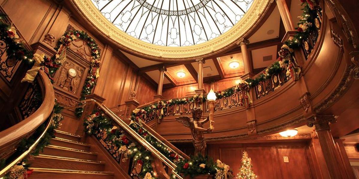 Grand Staircase Ceremonies at the Titanic Museum wedding Gatlinburg