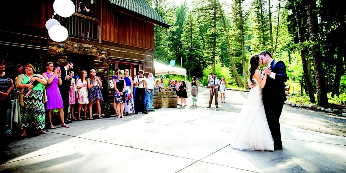 The Woodlands at Cottonwood Canyon wedding Montana