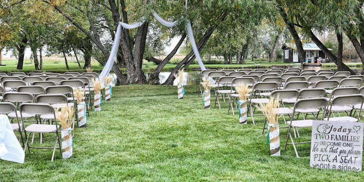 The Ponds at Dry Creek wedding Montana