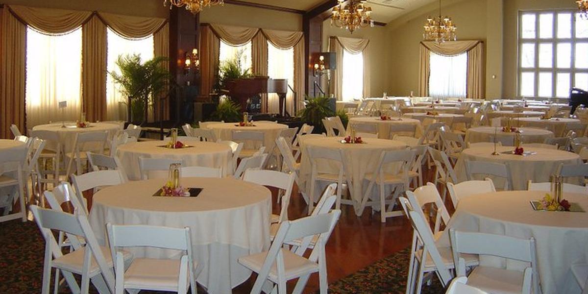 Cedar Rapids Country Club wedding Des Moines