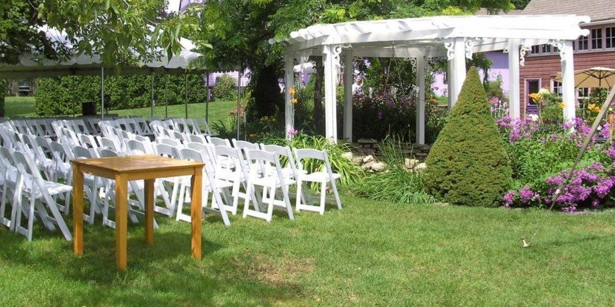 The Hollyhock House & Garden wedding Green Bay