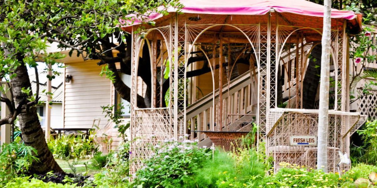 Nona Lani Cottages wedding Maui
