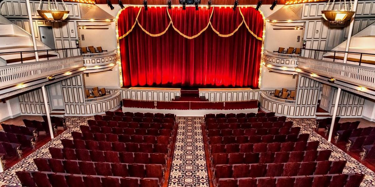 Grand Opera House of the South wedding Acadiana