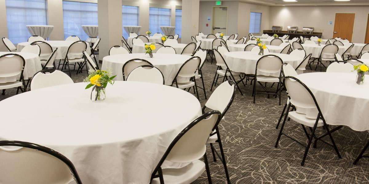 Holiday Inn Express & Suites Cheney-University Area wedding Spokane
