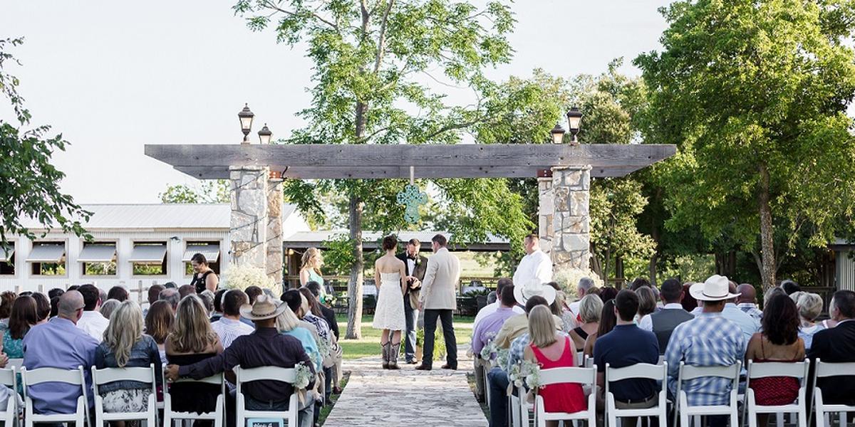 Three Dudes Winery wedding Austin