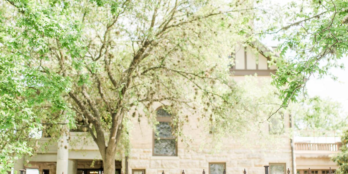 RiverHill Mansion wedding Hill Country